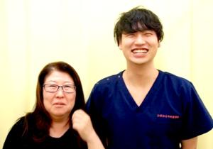 松戸市東松戸 交通事故による頚椎捻挫 50代 女性 A.K様 2ショット写真